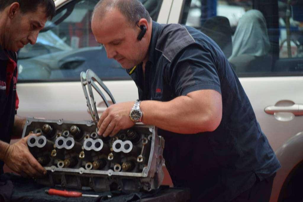 mechanic-engine-repair